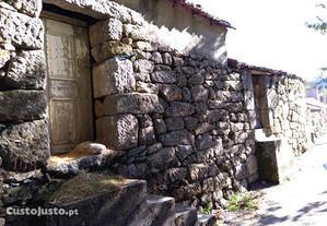 Casa de Pedra para Reconstrução Pimeirol