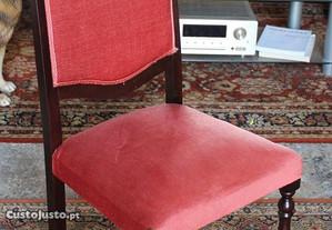 Cadeira em Madeira e Veludo