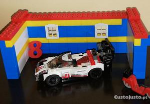 Porsche feito de Legos