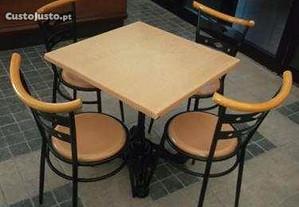 ACM217 - Mesas e Cadeiras