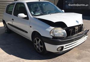 Renault Clio 1.9 D - Para Peças