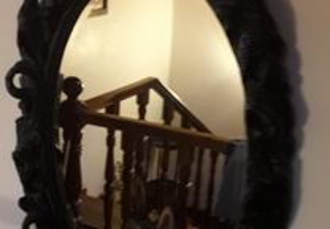 estante de telefone mesa e o espelho