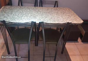 Mesa, cadeiras