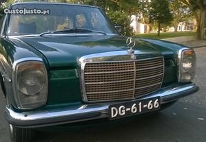 Mercedes-Benz 220 SEDAN