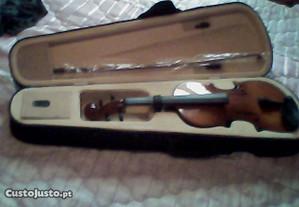 Violino novo em caixa..de1/4