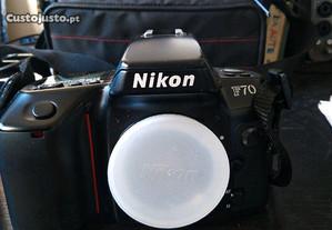 Maquina fotográfica Nikon F70 (não liga)+ 1 lente