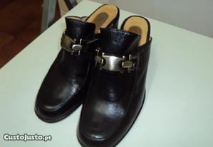 Sapatos pretos abertos - ótimo estado!