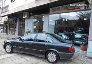 BMW 316 iACPackSport1Dono - 94