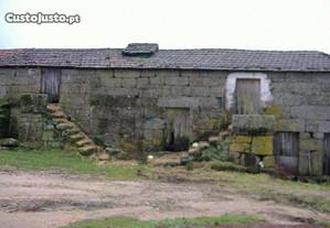 Quinta com cerca de 24 hectares