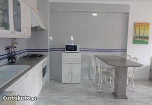 T2 Monte Gordo c/garagem