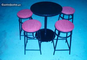 Mesas e bancos (Bar ou Pub)