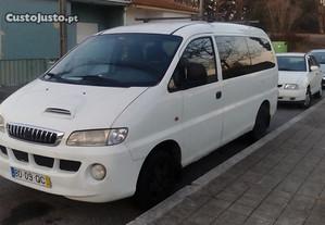Transportes particulares com carrinha Hyunday H1