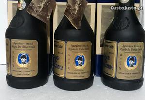 3 garrafas de aguardente conde de Amarante