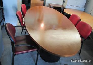 Mesa de Reuniões oval,como nova.