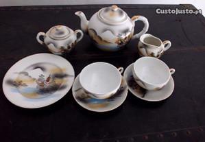 Serviço de chá chinês antigo.