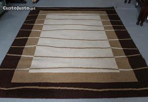 Carpete Tons Beje e Castanho