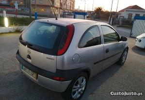 Opel Corsa 1.0 12 válvulas - 00