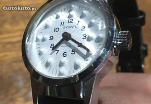 Relógio em breil