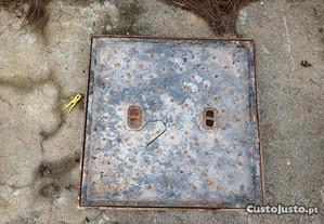 Tampa com aro em ferro para embutir mosaico 58x58