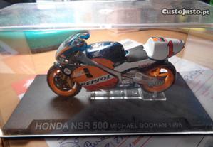 Mota Miniatura Honda NSR 500 Michael Doohan 1998