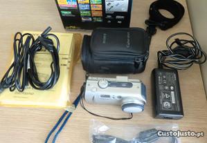 Máquina Sony Cybershot DSC-P50 (com acessórios)