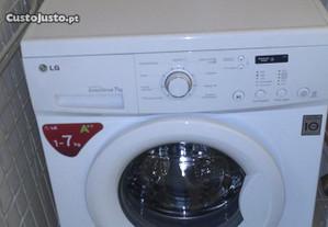Máquina Lavar Roupa LG 7k