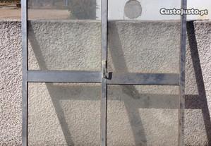 Portas de marquise em alumínio em bom estado
