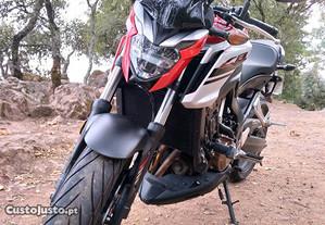 Honda CB 650F ABS (RC97).