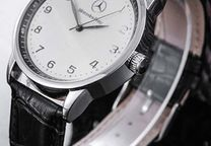 Relógio Mercedes.