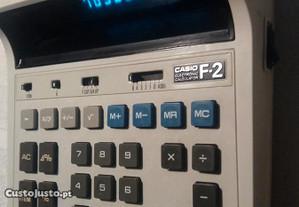 Calculadora Casio F2 a corrente /pilhas como nova
