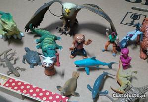 Brinquedos varios em bom estado.