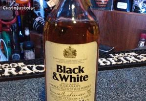 Whisky Black & White 43.28vol,75cl