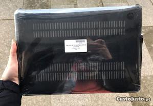Capa protectora preta MacBook Air 13