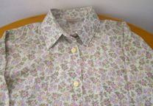 Blusa florida em tons de verde - Tamanho L/XL