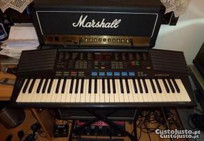Piano / Orgão / Sintetizador Yamaha PSR-47