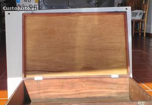 Mala/Arca antiga em madeira