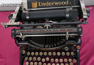 Máquina de escrever Underwood nº 5 de 1907.