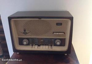 Rádio Antigo Grundig 1000