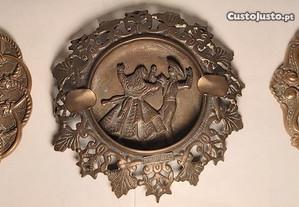 Cinzeiros em Bronze