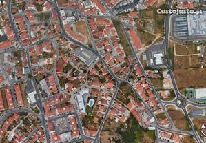 Terreno Urbanizável em Mem Martins