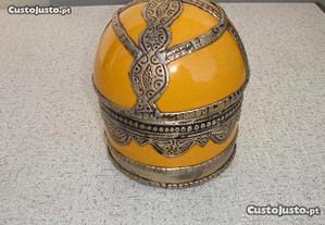 Caixa em cerâmica e estanho