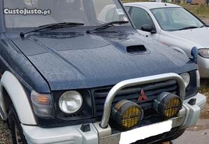 Mitsubishi Pajero  2.8 para peças