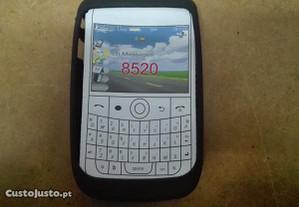 Capa em Silicone Gel Blackberry 8520 Preta - Nova