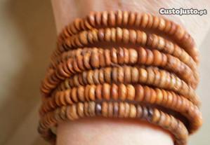 Pulseira em espiral, made in Senegal.