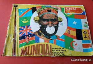Album Clube do Cromo MUNDIAL Bandeiras, Escudos e