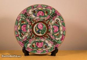 Pratos decorativos (porcelana chinesa)