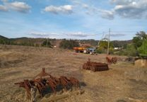 Trator agrícola e alfaias