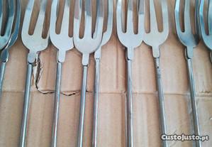 16 garfos churrasco inox