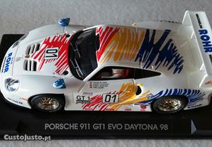 Slot Car Porsche 911 GT1 EVO Fly