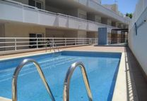 Apartamento T2 com piscina em Santa Luzia